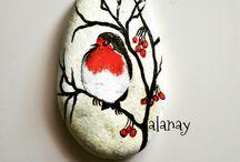 Birds-painted rocks