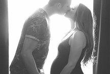 Kim's babybuik tijdens de zwangerschap / Hier vind je alle foto's van Kim's babybuik van week tot week.