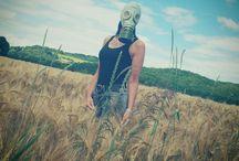Fräulein Gabriele Gasmask / gas mask