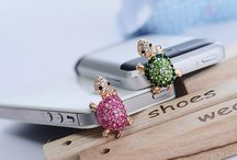 IPhone accesorios / by Rima Zavala