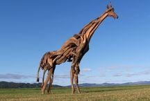 Animais feitos com galhos de árvores