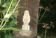 kapliczka w ogrodzie