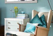 Aqua and Turquoise Living Room Inspiration / My fave living rooms using aqua and turquoise.