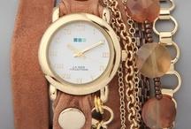 Jewelry / Jewelry Trends / by Vera Sweeney (Ladyandtheblog.com)