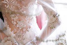 Lovely wed dress!