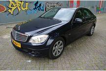 VERKOCHT - MB 200 CDi W204 / Merk:Mercedes-Benz Model:C-Klasse Type:200 CDI BlueE. Inrichting:Limousine (4 drs) Vermogen motor:136 PK Aantal cilinders:4 Bouwjaar:mei 2009 Kleur:Donker blauw metallic Bekleding:Stof (Zwart) Brandstof:Diesel Versnellingsbak:Handgeschakeld, 6 versnellingen Km. stand:163.000 km Cilinderinhoud:2.148 cc Gewicht (leeg):1.405 kg Gemiddeld verbruik:5,1 l/100km Verbruik stad:6,7 l/100km Verbruik snelweg:4,1 l/100km APK:tot 5 september 2014 BTW/Marge:BTW Prijs: € 16.500