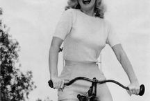 Vintage Celebrity Cycling Photos / Vintage photos, cycling, biking, actors, actresses