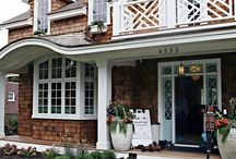 Farmhouse Exteriors / These farmhouse exteriors are gorgeous and full of inspiration for your own home.