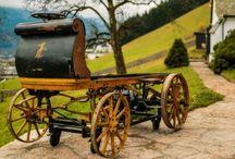 Porsche'un İlk Modeli / Avusturya`da terk edilmiş bir ahırda, 4 yıl kullanıldıktan sonra 112 yıldır hiç dokunulmamış bir Porsche bulundu.