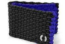 PARACORD WALLET.