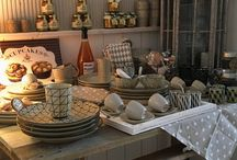 Bloomingville / Hier findet Ihr Geschirr und Wohnaccessoires von der dänischen Marke Bloomingville. Holt Euch den Norden in Euer Zuhause...