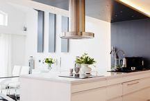 Kök från Pitekök / Pitekök renoverar, uppdaterar och bygger kök helt med utgångspunkt från dig som ska leva i det. Kök som kan brukas och älskas genom livets olika faser. Kök som går hem, helt enkelt. Foto: Maria Fäldt
