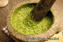 Pesto. sausjes en dressings