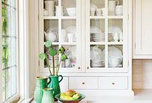 Kitchens / by Sneha Purushotham