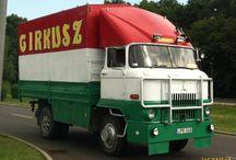 IFA-Barkas-Robur-Wartburg-Trabant-Multicar-Mz-IwL / (IFA -Barkas-Wartburg-Robur-Multicar-Trabant-Mz )Industrieverband Fahrzeugbau , genellikle IFA olarak kısaltılır, eski bir Doğu Almanya'daki araç yapımışirketlerinin birleşmesi ve birleşmesi idi.  IFA , bisiklet , motosiklet , hafif ticari araç , otomobil , vanlar ve ağır kamyon üretti . Tüm Doğu Alman araç üreticileri, Barkas , EMW ( Wartburg araba yapımı ), IWL , MZ , Multicar , Robur , Sachsenring ( Trabant araçlarını imal ettiler ) ve Simson da dahil olmak üzere IFA'nın bir parçasıydı .