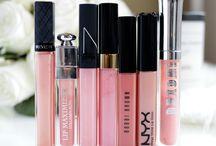 Lipgloss, lipstick, lipbalm