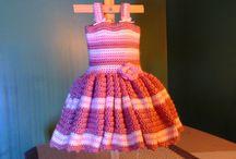 háčkované šaty, sukně