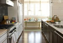 Kitchens / by Courtney Trudeau