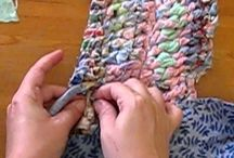 tejer con la mano con trapito