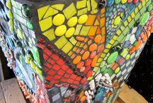 Yucandu Art Studio / Yucandu is a hands-on art studio in Webster Groves MO, where kids and adults can create mosaic, collage and painted projects--no appointment needed.