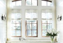Bathrooms / by Dulce Candy Inc.