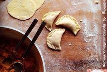#emiliaromagnaintavola / Un viaggio per la #EmiliaRomagna del gusto tra foto di piatti e vini tipici, luoghi e ricette della tradizione. http://bit.ly/Italiaintavola