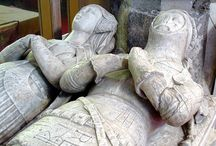 Sculptured or painted detailed references / Gives us an idea of finer details from the 15th century