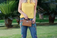 Jeans bordado / Os jeans bordados chegaram com tudo e são uma ótima escolha para deixar a produção mais cool!