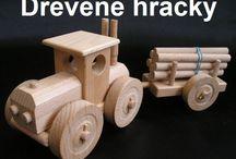 Traktor - hačka ze dřeva pro děti