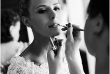"""Her / A selection of getting ready shots for the perfect look to go down the aisle. Ihre persönlichen Momente und Eindrücke der letzten Vorbereitungen vor der Hochzeit, bevor sie """"Ja"""" sagt."""
