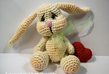 Crochet Cuddlies / by Mirjam Schurings