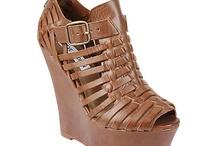 shoessssss! / by Chelsea Cavitt