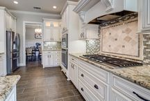 Kitchen ideas / Dining, layout and materials