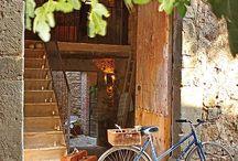 CASA DE CAMPO EN GIRONA / Una antigua granja transformada en un cálido y acogedor refugio de montaña, ideal para cualquier época del año,  sentirse a gusto y poder disfrutar de cada espacio sin renunciar a la comodidad ni al buen gusto.