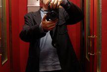 Marcello Di Donato / Marcello Di Donato ha studiato Scenografia presso l'Accademia di Belle Arti di Napoli. A metà degli anni '80, ha scelto di dedicarsi alla fotografia, in special modo alle sperimentazioni con le tecniche fotografiche della polaroid sx-70.