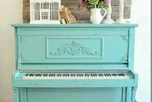 Pretty Pianos