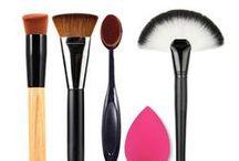 Brush Kits / Makeup Brushes