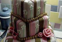 Cakes / by Faby Corona