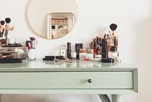 Make Up Storage & Vanities ;