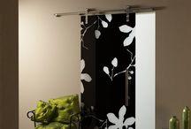 Drzwi szklane B&W. Glass doors B&W / Drzwi szklane B&W lakierowane na dwa kolory. Glass door B&W lacquered on two colors.