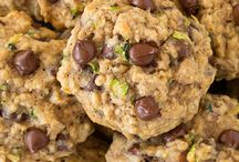 Healthy Cookies / by Tania Sirgo