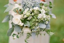 Beautiful Bouquets / Perhaps the most important arrangement at your wedding! Find inspiration for an elegant, cascading bouquet or a classic, simple bouquet--whatever suits your taste!