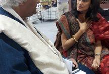Indian Art Fair 2016 / A full house at #IndianArtFair2016. #ManishaLathGupta in conversation with #RajeevSethi #SubodhGupta #MallikaAdvani #SunithaEmmart #TaraRoy