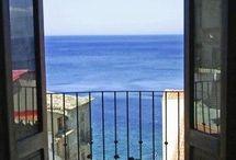 Scilla ed Il Borgo di Chianalea / A small country with a magical sea and excellent food
