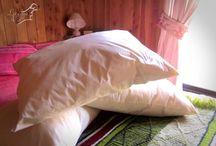 Almohadones / Hermosos Almohadones para aquellas personas que disfrutan de un buen libro y necesitan un cómodo apoyo para su cabeza o para los que ven televisión en la cama. Siente la diferencia de un buen descansar. Medidas: 70X50 cms