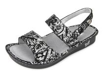 Alegria Shoes / Videos and pictures of Stylish Alegria Shoes. See what Alegria Shoes look like when you wear them.