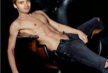 Sebastian Stan ♥♥♥♥♥♥♥♥♥♥♥♥