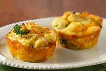 Recipes: Muffin Tin Meals / by Nikki Joyce