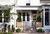 fachadas madera blanca y gris