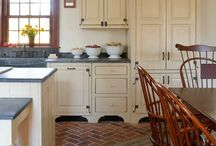 Kitchens / by Kimberly Bruening